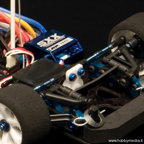 associated-15-r51-factory-team-4