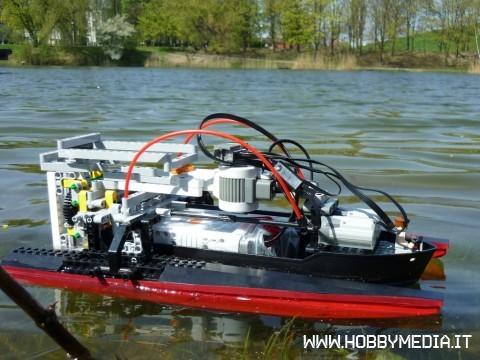 lego-nxt-boat-lake