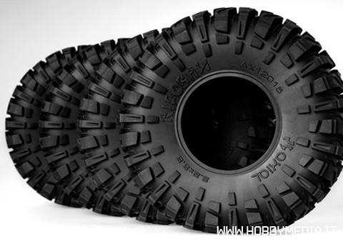 axial-22-ripsaw-tires-r35-compound-2