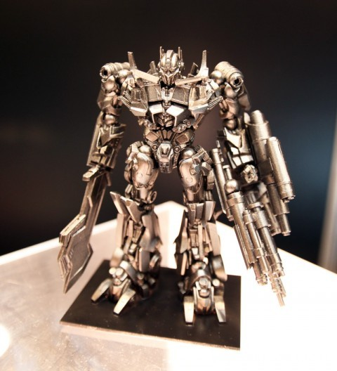 revoltech-optimus-prime-transformer-dark-of-the-moon-3