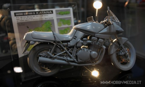 suzuki-gsx-1100sl-katana-1