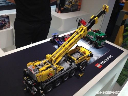 lego-technic-mobile-crane-mk-ii-42009-1