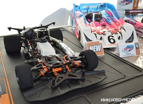 hot-bodies-r8-1-8-scale-on-road-racing-kit