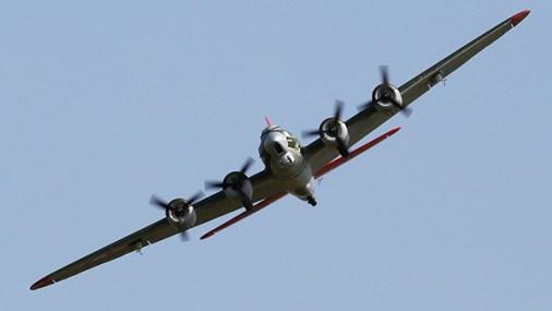 e-flite-umx-b17g-flying-fortress-2