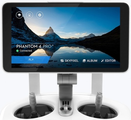 phantom-4-pro-radiocomando-con-display