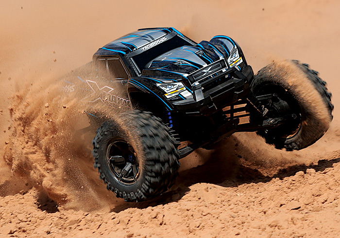 X-Maxx-8S-Gallery-Action