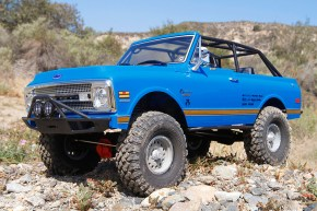 Video: Axial SCX10 II 1969 Chevrolet Blazer in scala 1/10