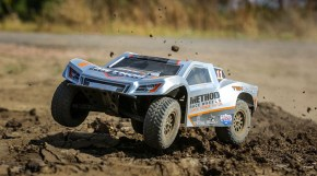 Team Losi Tenacity SCT 4WD FOX & METHOD