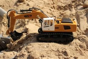 HUINA: Ruspa Escavatore Radiocomandata 1/18 9CH