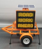 Construction DOT Sign Trailer scale replica programmable via Smartphone!