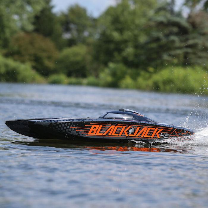 "ProBoat: Blackjack 42"" 8S Brushless Catamaran RTR"