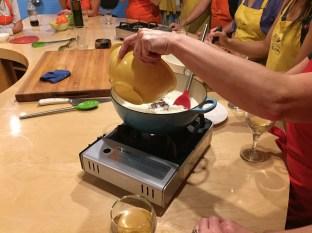 Making pots de creme au chocolate