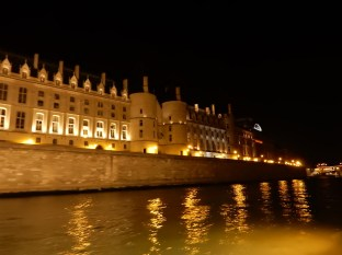 Closer at the Conciergerie