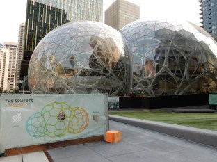 The Amazon Spheres - a nature biosphere where employees can retreat to nature