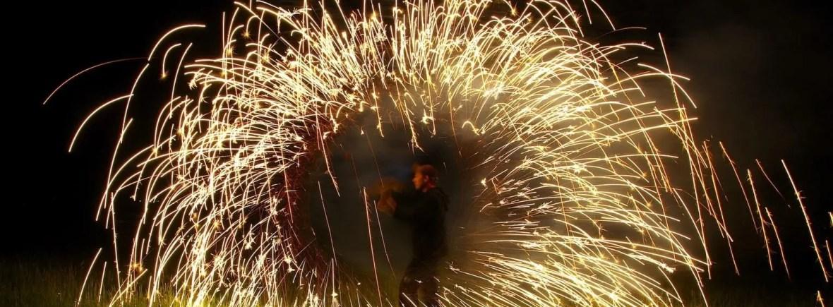 Funkenregen bei der Feuershow