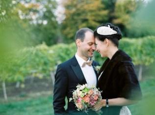 Hochzeitsplaner Niederösterreich | 50ies wedding Austria | www.hochzeitshummel.at | Photos: peachesandmint.com