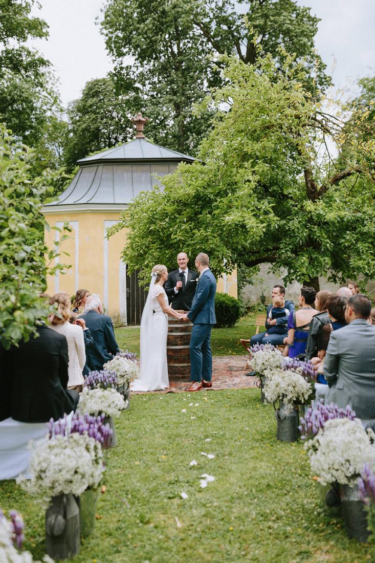 Hochzeit Schloss Walpersdorf by HochzeitsHummel | Photos: www.thomassteibl.com