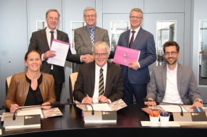 20160406 Ondertekening overeenkomst MFC Dorpshart Mijnsheerenland