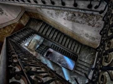 Lost Places: Blick nach unten