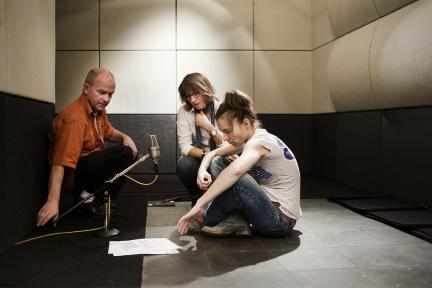 Bernd Friebel (Studiotechnik), Irene Schuck und Katja Bürkle bei den Aufnahmen zu