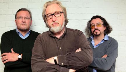 von links: Peter F. Müller (Autor), Felix von Manteuffel, (Klaus Barbie alias Klaus Altmann) und Leonhard Koppelmann (Regie); Bild: WDR/Sibylle Anneck
