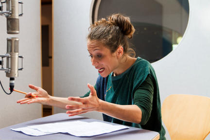 Janina Sachau; Bild: WDR/Fahri Sarimese