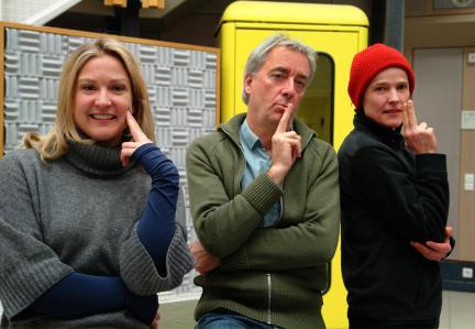 Stephanie Kellner, Ueli Jaegg und Karoline Eichhorn; Bild: SWR/Mathis Aubert