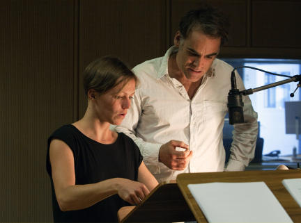 Franziska Wulf und Sebastian Blomberg; Bild: NDR/SWR/Monika Maier