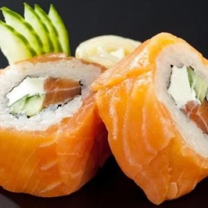 Futomaki salmon cream cheese