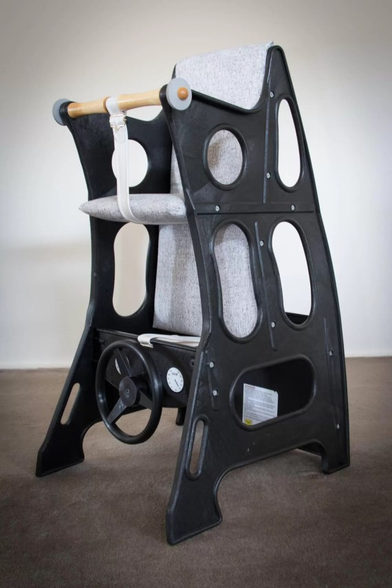 Hokus Pokus High Chair – Black/Ash Grey