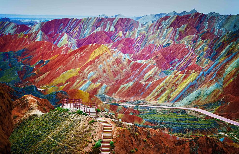 Resultado de imagen de montañas multicolores