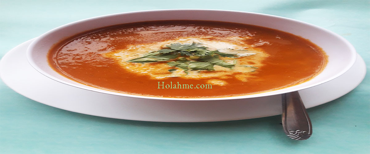 CREAMY BASIL TOMATO CARROT SOUP