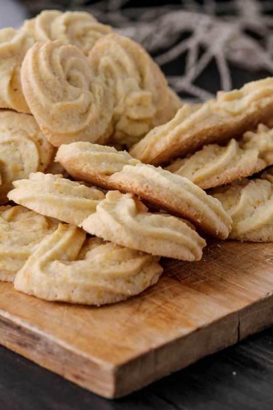 Gluten Free Italian Cornmeal Cookies from Beard and Bonnet