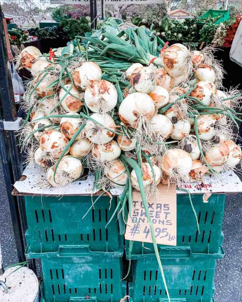 """Mexican recipes use onions in very special and unique ways. Find out how to use onions """"the Mexican way"""" and other ingredients to make Mexican food happen in your kitchen. #mexicanrecipes #mexicanpantry #mexicanfood #onions"""