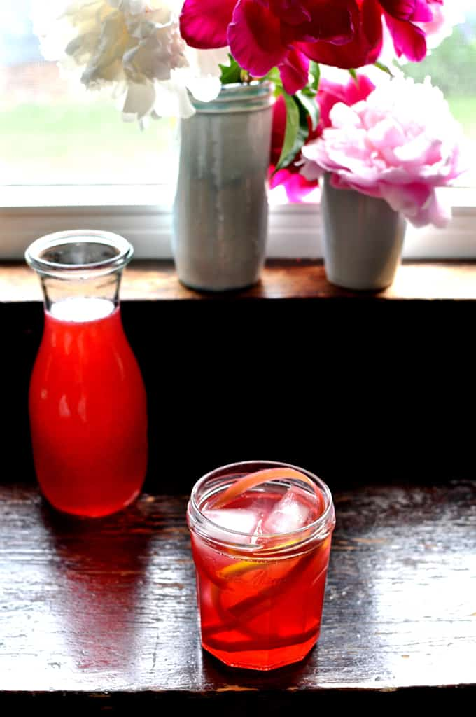 This rhubarb agua fresca is the perfect spring and summer non-alcoholic drink. Made from fresh rhubarb it is sweet and tart and full of rhubarb flavor. This is a fun take on one of our favorite Mexican food recipes-Agua Fresca. #Mexican #easyMexicanrecipe #nonalcoholic #aguafresca