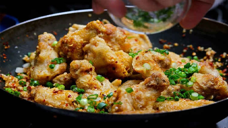 Holar - Blog - How to Make 5 Fantastic Salt and Pepper Dishes at Home - Salt and Pepper Chicken