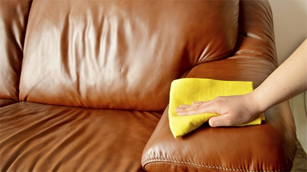 Holar - Blog - 11 Vinegar Cleaning Hacks You Have To Experience It Yourself - Clean Leather Furniture Using Vinegar