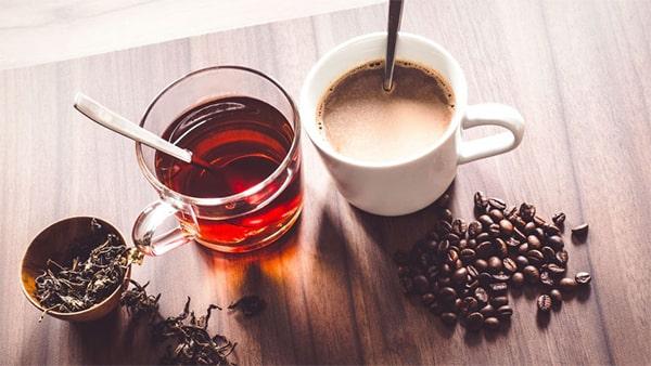 Holar - Blog - Coffee vs. Tea 7 Factors to Consider Before Drinking - types varieties