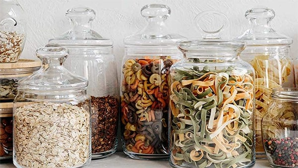 Holar - Blog - How to Maximize Storage Space for Small Cabinet with These 6 Kitchen Appliances - Glass Jars