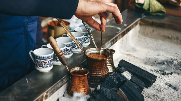 Holar - Blog - Top 10 Manual Coffee Makers for Every Type of Coffee Enthusiast - Turkish Coffee