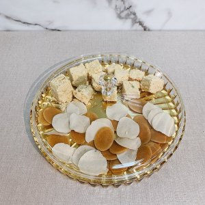 Lid and Gold Top Food Tray for Soan Papdi