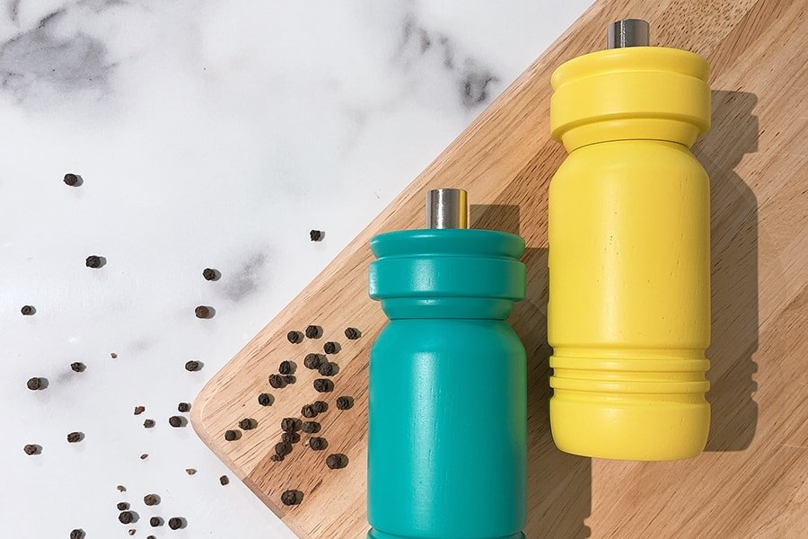 Pepper-Mill-vs-Salt-Mill-Whats-the-Difference-00