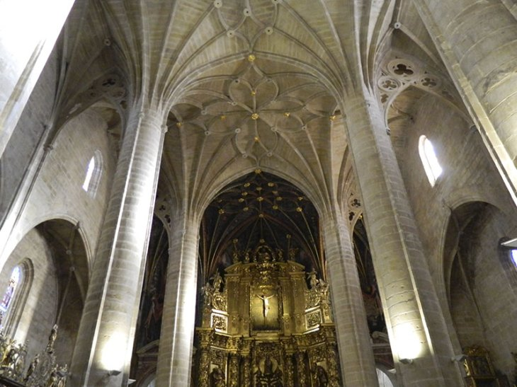 Visitas Guiadas a la Concatedral de Santa María la Redonda | HolaRioja