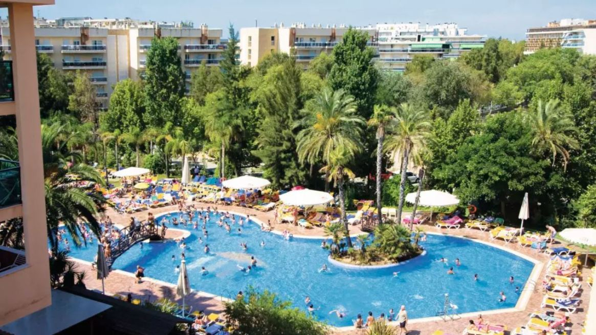 Family Fun Holiday! – 7 Nights 4* Half Board Costa Dorada Deal Just £394pp Incl. 1 FREE Child Place, Flights, Bags, Hotel and Transfers