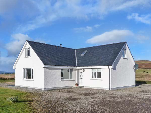 Brae Cottage, Dunvegan, Isle of Skye, Scotland - self-catering with hot tub