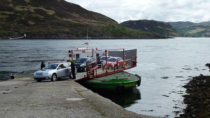 Glenelg-Skye-Ferry-turntable-cars-driving-off
