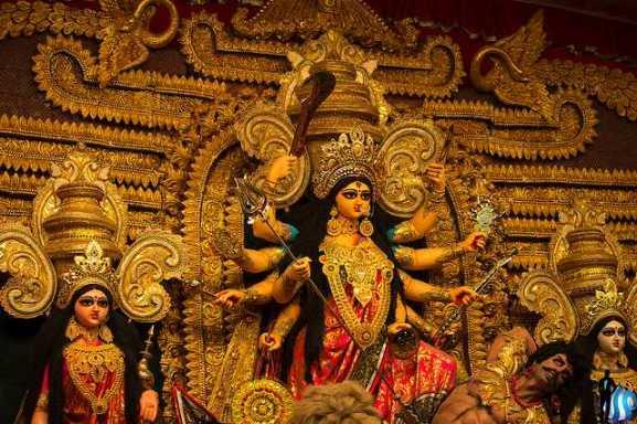 Durga Puja in Kolkata 2020 | Dates, Pandals, Rituals, Food | Holidify