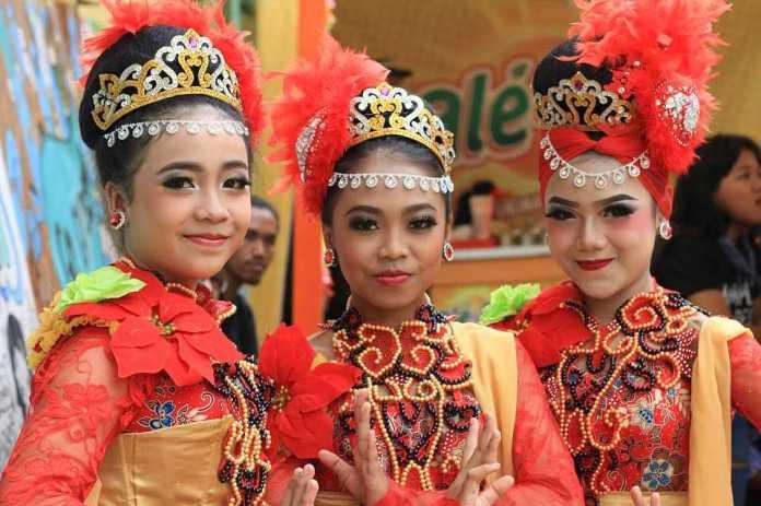 9 Dances Of Indonesia Graceful Indonesian Folk Dances