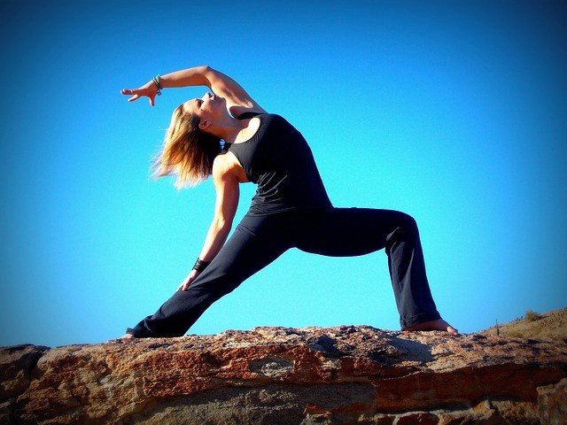 warrior-pose-yoga-relieve-anxiety
