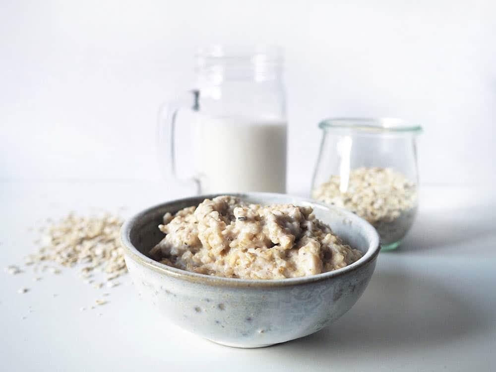 Porridge Grundrezept: Der gesunde Frühstücksbrei